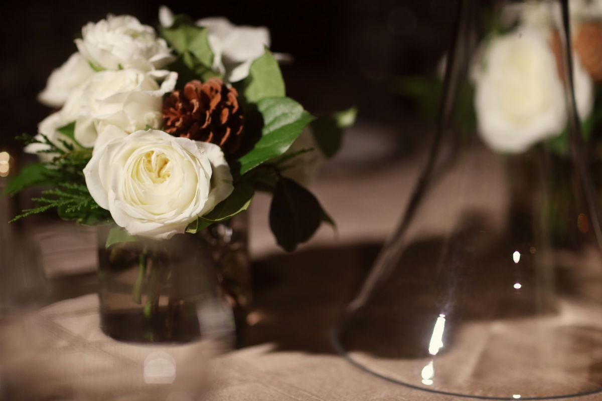 Philadelphia-Wedding-Planner-Event-Planning-New-Jersey-Delaware-white-flowers-pinecone-centerpieces
