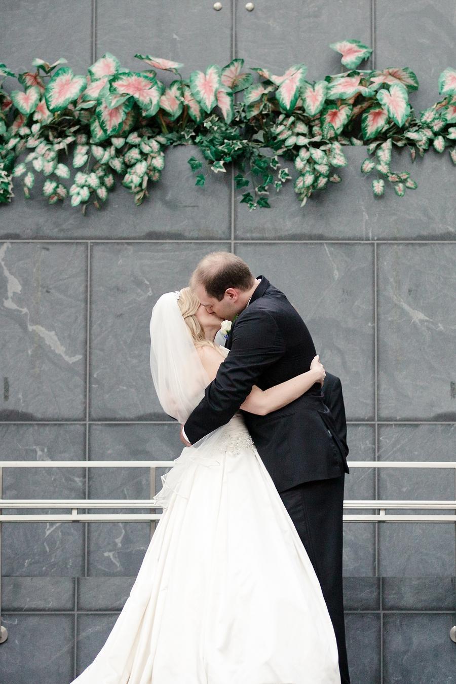 Pyramid-Club-Philadelphia-Wedding-by-Adrienne-Matz-Photography_0080