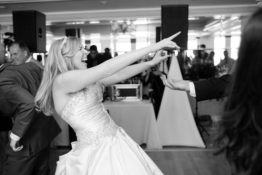 Pyramid-Club-Philadelphia-Wedding-by-Adrienne-Matz-Photography_0099