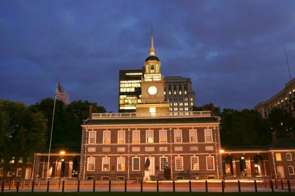 independence-hall-at-night-philadelphia-R.Kennedy1-900vp-587x0