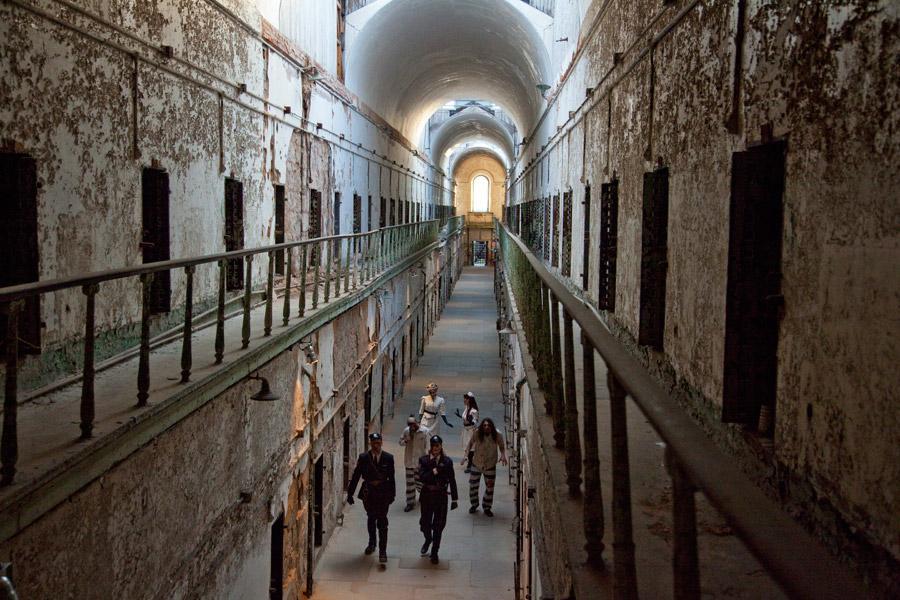 terror-behind-the-walls-philadelphia-esp1-900vp