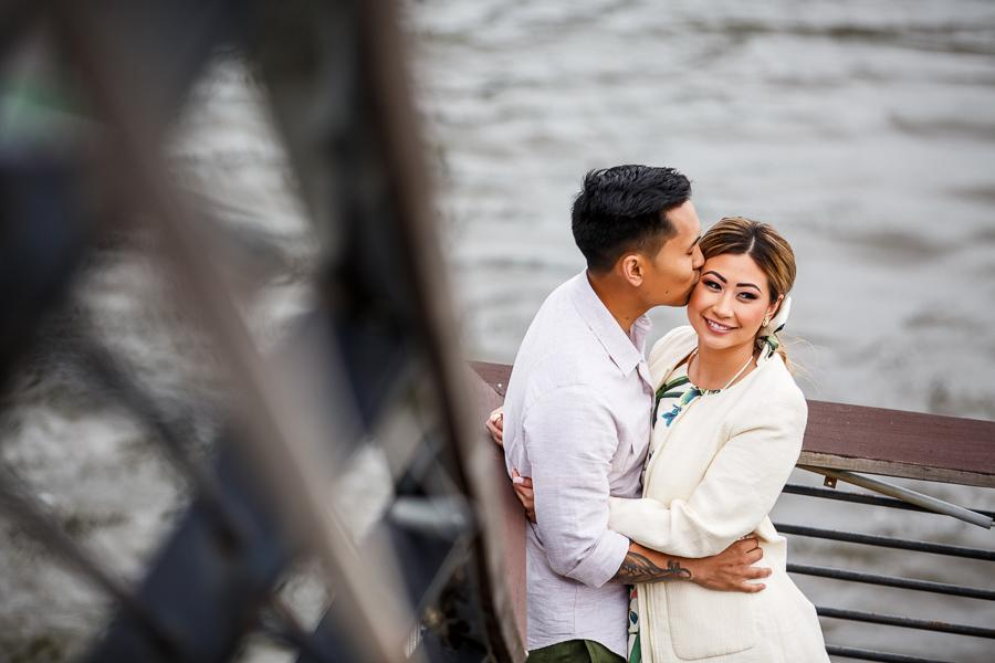race-street-pier-engagement-113