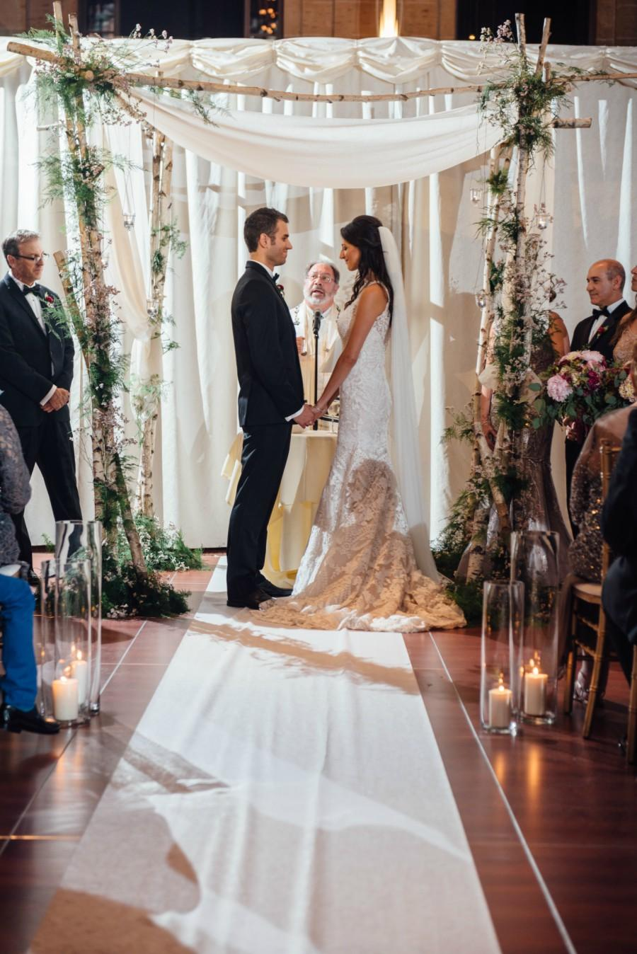 """union of love the great gatsby Jenna and eric's wedding beautifully integrated """"the great gatsby"""" style, with  vivid decor details, gushing florals, and personal charm union."""