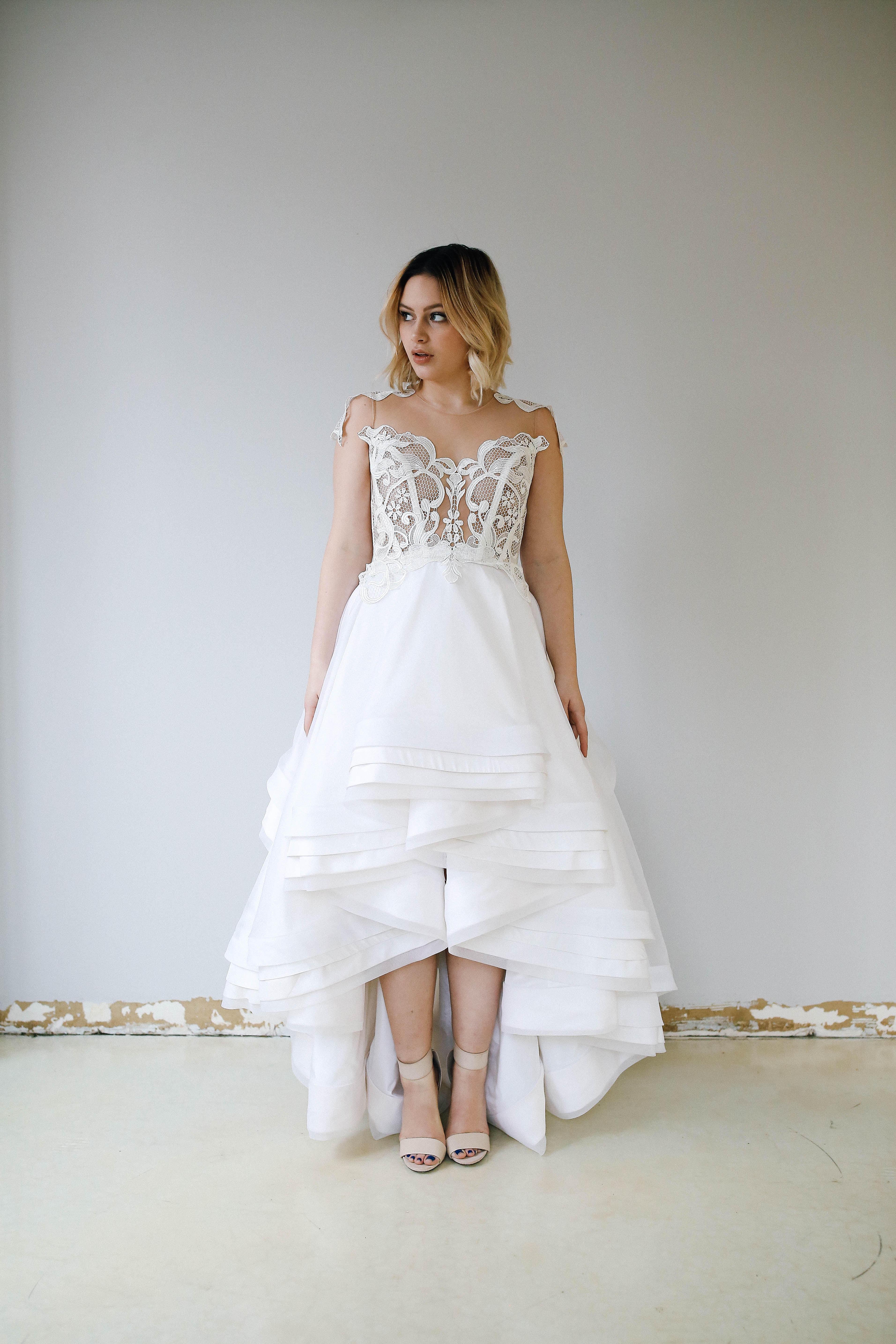 Priscilla costa bridal trunk show at arielle bridal for Wedding dress trunk shows