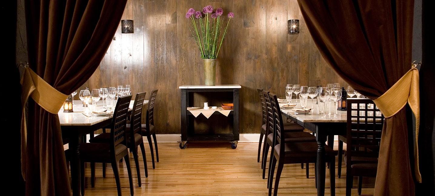7 Philadelphia Restaurants to have your Rehearsal Dinner Amada Philadelphia Philly In Love Philadelphia Weddings