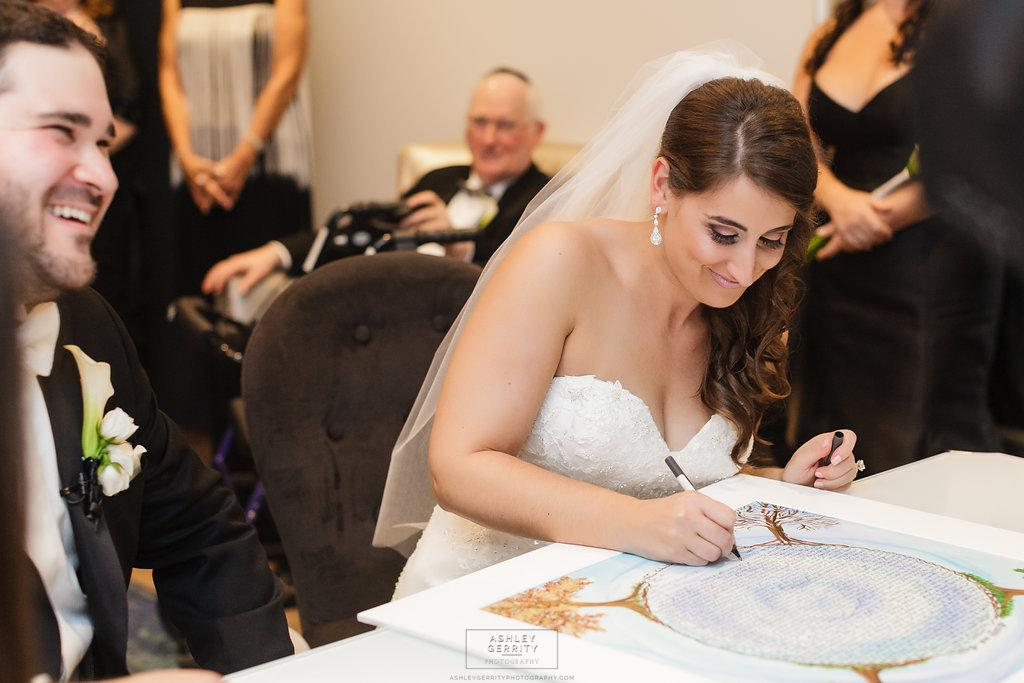 Classic Philadelphia Wedding at Vie by Ashley Gerrity Photography Philadelphia Wedding Photographer Philly In Love Philadelphia Weddings Philadelphia Wedding Vendors