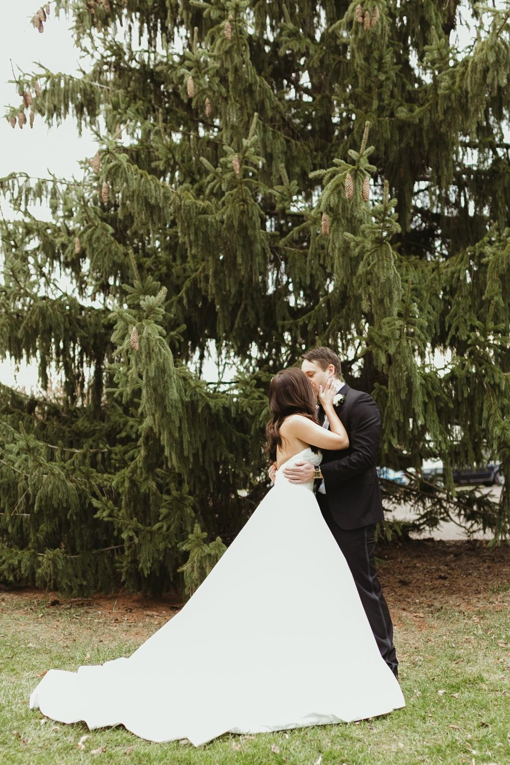 New Year\'s Eve Wedding at the Barn on the Bridge | Philly In Love