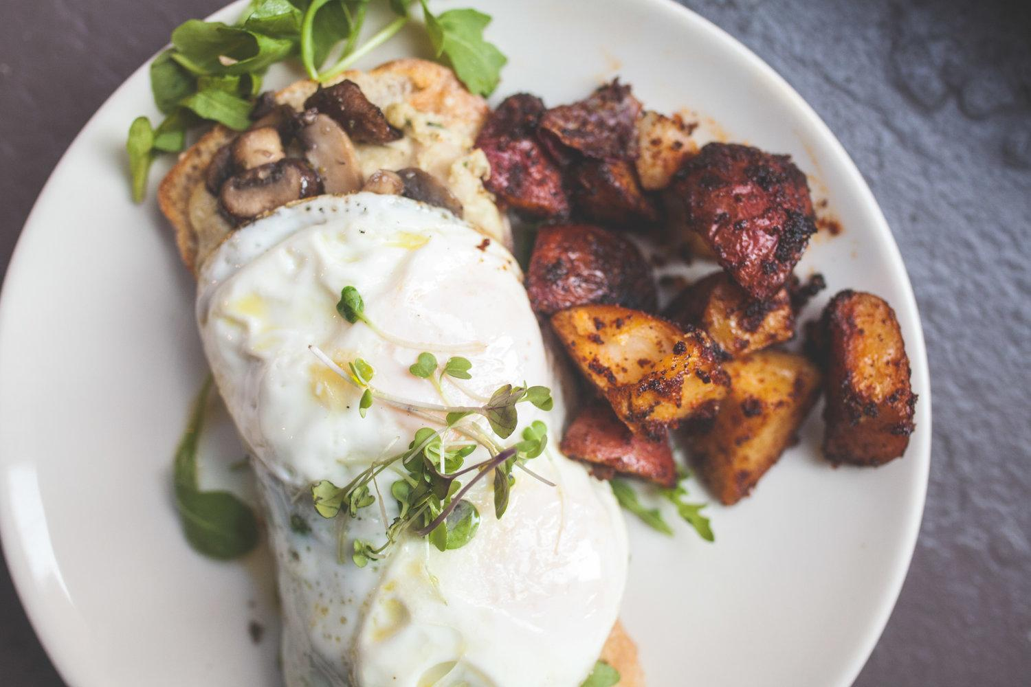 Philadelphia Restaurants for Post-Wedding Brunch Cafe Lift Callowhill Philly In Love Philadelphia Weddings