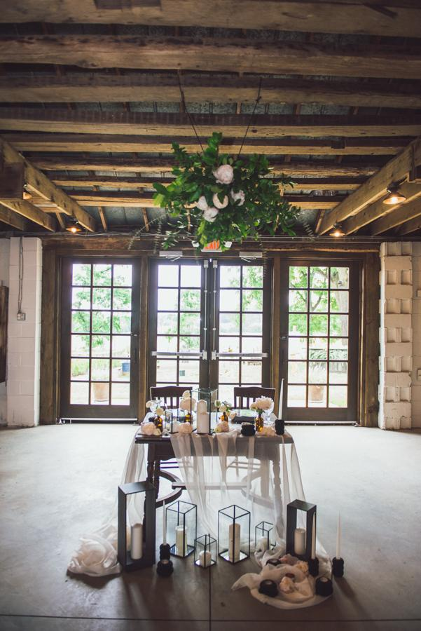 3 Ways To Style Your Barn Wedding Sensational Host Caterers Mario Oliveto Photography Philly In Love Philadelphia Wedding Blog Venues Vendors