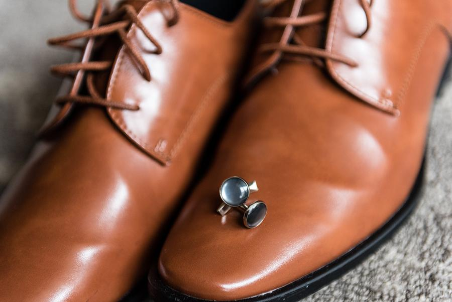 groom's shoes and cufflinks by ashley gerrity photography and philly in love