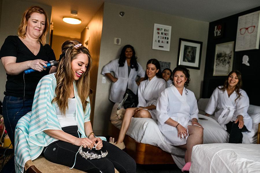 bridal party in Philadelphia hotel bydaniel moyer photography