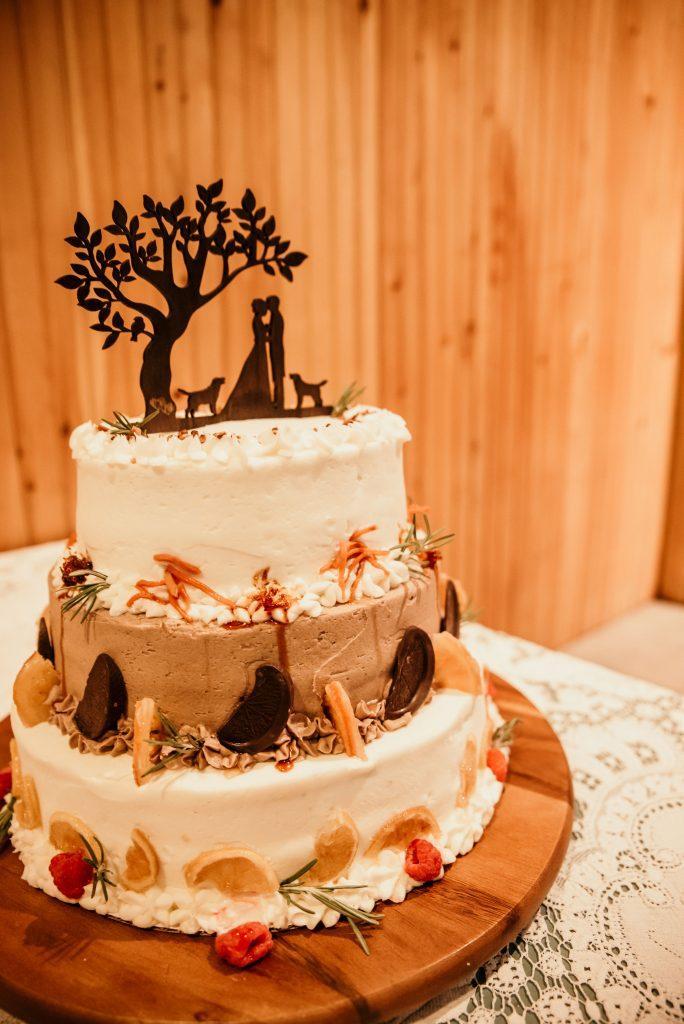 4 flavor wedding cake