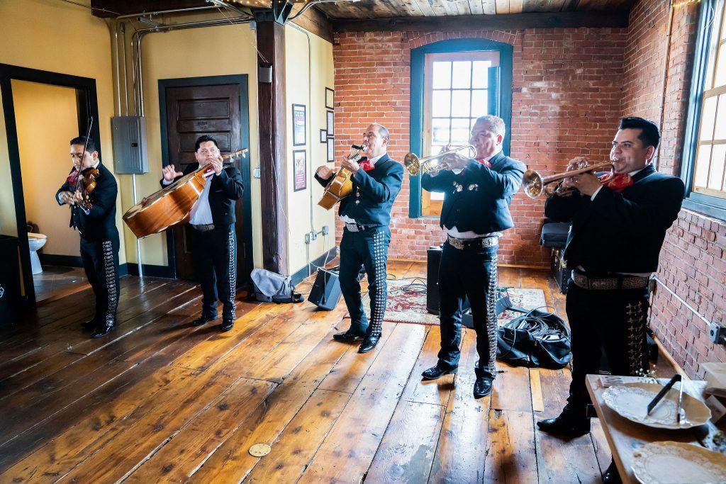 mariachi band play at wedding reception
