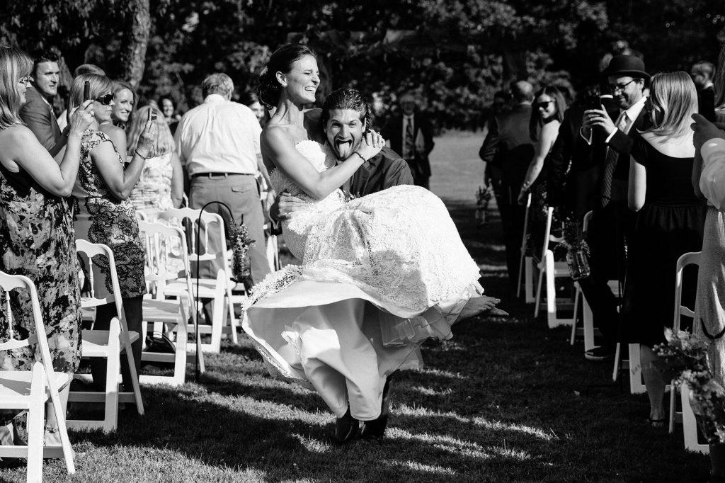 Philadelphia wedding photographers, smirnov weddings, bride and groom walk down the aisle