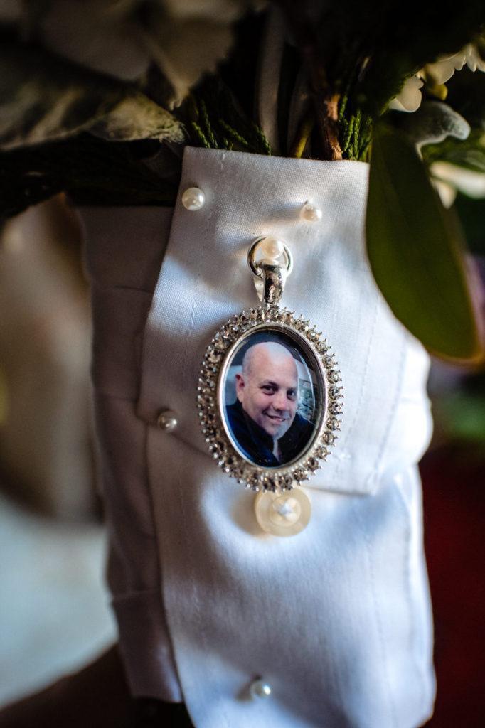picture of dad on flowers, crystal tea room wedding nicole cordisco photography
